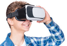 VR玻璃的青少年的男孩 库存照片