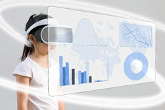 VR ou réalité virtuelle pour le concept d'éducation de maths illustré par Photo libre de droits