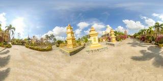 360VR på den Vinh Trang pagoden i Vietnam royaltyfri bild