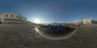 360 VR Riva de waterkant van deglischiavoni, scène in vroege ochtend in Venetië, Italië stock afbeelding