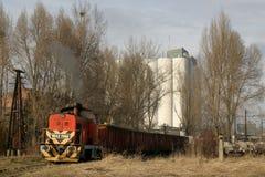 Vracht op industriële sporen Royalty-vrije Stock Afbeelding