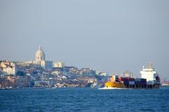 Vrachtboot royalty-vrije stock afbeelding