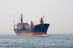 Vrachtschip royalty-vrije stock afbeeldingen