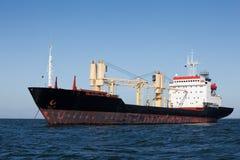 Vrachtschip in anker Royalty-vrije Stock Foto