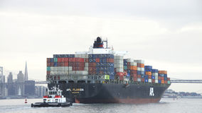 Vrachtschip APL die FLORIDA de Haven van Oakland vertrekken Royalty-vrije Stock Foto's