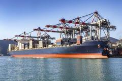 Vrachtschip in haven Royalty-vrije Stock Foto