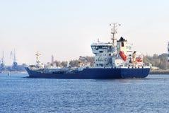 Vrachtschip het aankomen Stock Fotografie