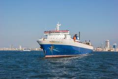 Vrachtschip in Izmir Stock Foto's