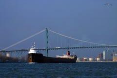 Vrachtschip op Rivier Detriot Royalty-vrije Stock Afbeelding