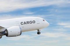 Vrachtvliegtuig het opstijgen Royalty-vrije Stock Foto's