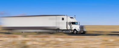 vrachtwagen in beweging Stock Afbeeldingen