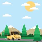 Vrachtwagen die de bergachtige gebieden kruiste Royalty-vrije Stock Foto