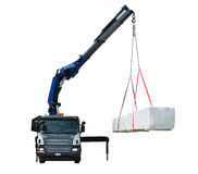 Vrachtwagen die Houten Geïsoleerd Pakket leveren - Stock Fotografie