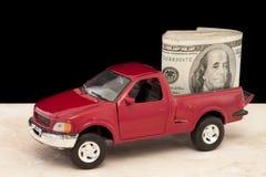 Vrachtwagen die met Contant geld wordt gevuld Stock Foto