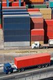 Vrachtwagen en containers Royalty-vrije Stock Afbeelding