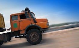 Vrachtwagen en motionblur Royalty-vrije Stock Foto's