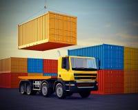 Vrachtwagen op achtergrond van stapel vrachtcontainers Stock Afbeelding