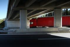 Vrachtwagen op de weg stock fotografie