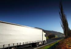 Vrachtwagen op de Weg royalty-vrije stock fotografie