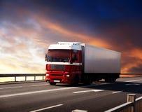 Vrachtwagen op weg Stock Foto's