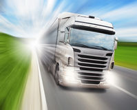 Vrachtwagen op weg Royalty-vrije Stock Fotografie