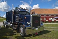Vrachtwagen (peterbilt) Stock Afbeeldingen
