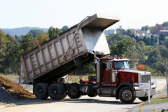 Vrachtwagen van de stortplaats 2 Stock Fotografie