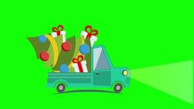 Vrachtwagen van het leverings de vlakke vervoer, bestelwagen met het pak van de giftdoos op wit in Kerstmisvooravond stock footage
