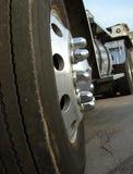 Vrachtwagen voor industrieel gebruik en Aanhangwagen Stock Afbeelding