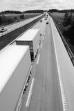 Vrachtwagen in zwart/wit Royalty-vrije Stock Foto's