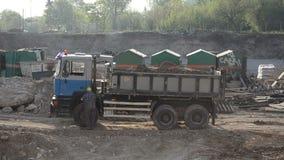 Vrachtwagenchauffeurarbeider stock video