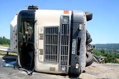 Vrachtwagenneerstorting stock afbeeldingen