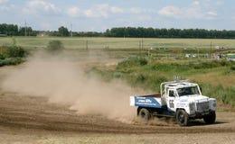 Vrachtwagenras in het hele land Stock Foto