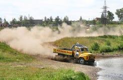 Vrachtwagenras in het hele land Stock Afbeeldingen