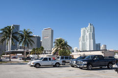 Vrachtwagens in een parkeerterrein in Miami Royalty-vrije Stock Foto's