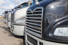 Vrachtwagensmackintosh Stock Afbeelding