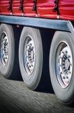 Vrachtwagenwielen in motie Royalty-vrije Stock Fotografie