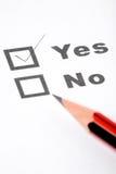 Vragenlijst en potlood Stock Foto's