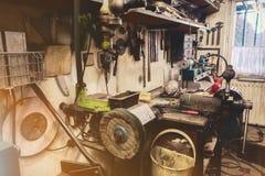 Vrai atelier domestique de la maison DIY Photos stock