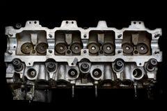 Vrai enginer de tête de moteur de voiture d'occasion photographie stock libre de droits