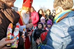 Vrai et chocolat Santa Claus Photographie stock