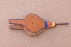 Vrai ventilateur en cuir marocain de barbecue/coin du feu - fabriqué à la main image stock