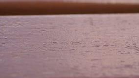 Vrai vieux fond en bois rouge de cru de texture Fond fonc? Les mouvements d'appareil-photo banque de vidéos