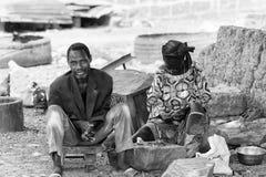 Vraies personnes au Togo, en noir et blanc Photos stock