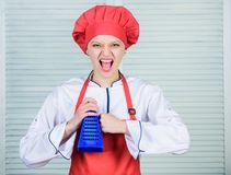 Vraiment pointu Chef principal ou nourriture saine à cuire amateur Utile pour la quantité importante de faire cuire des méthodes  image stock