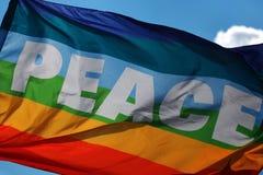 Vrede. De regenboogvlag. Royalty-vrije Stock Foto's