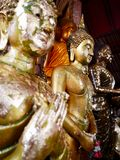 Vrede van Mening met Buddhas, Wat Yai Chai Mongkhon Ayutthaya, Thailand royalty-vrije stock afbeelding