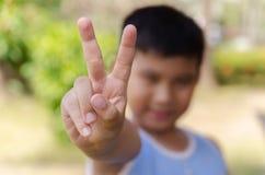 Vredesteken of nummer twee teken stock foto's