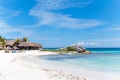 Vreedzaam Caraïbisch strand stock fotografie