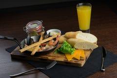 Vreedzaam ontbijt in de pan Royalty-vrije Stock Afbeelding